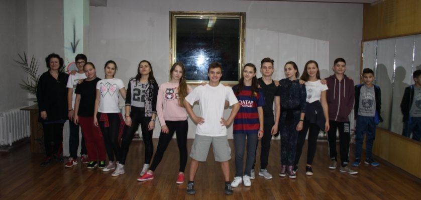 "Ansamblul de dansuri moderne ""Antares"""