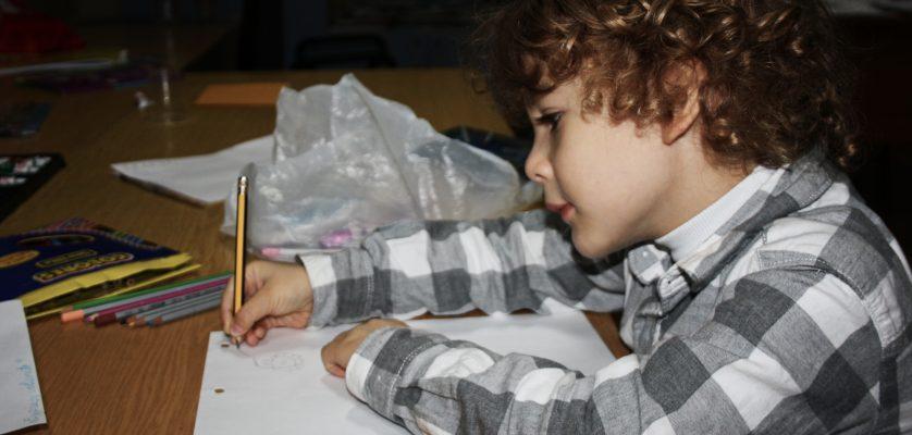 """Atelier de dezvoltare a creativității artistice """"Expresii colorate"""""""