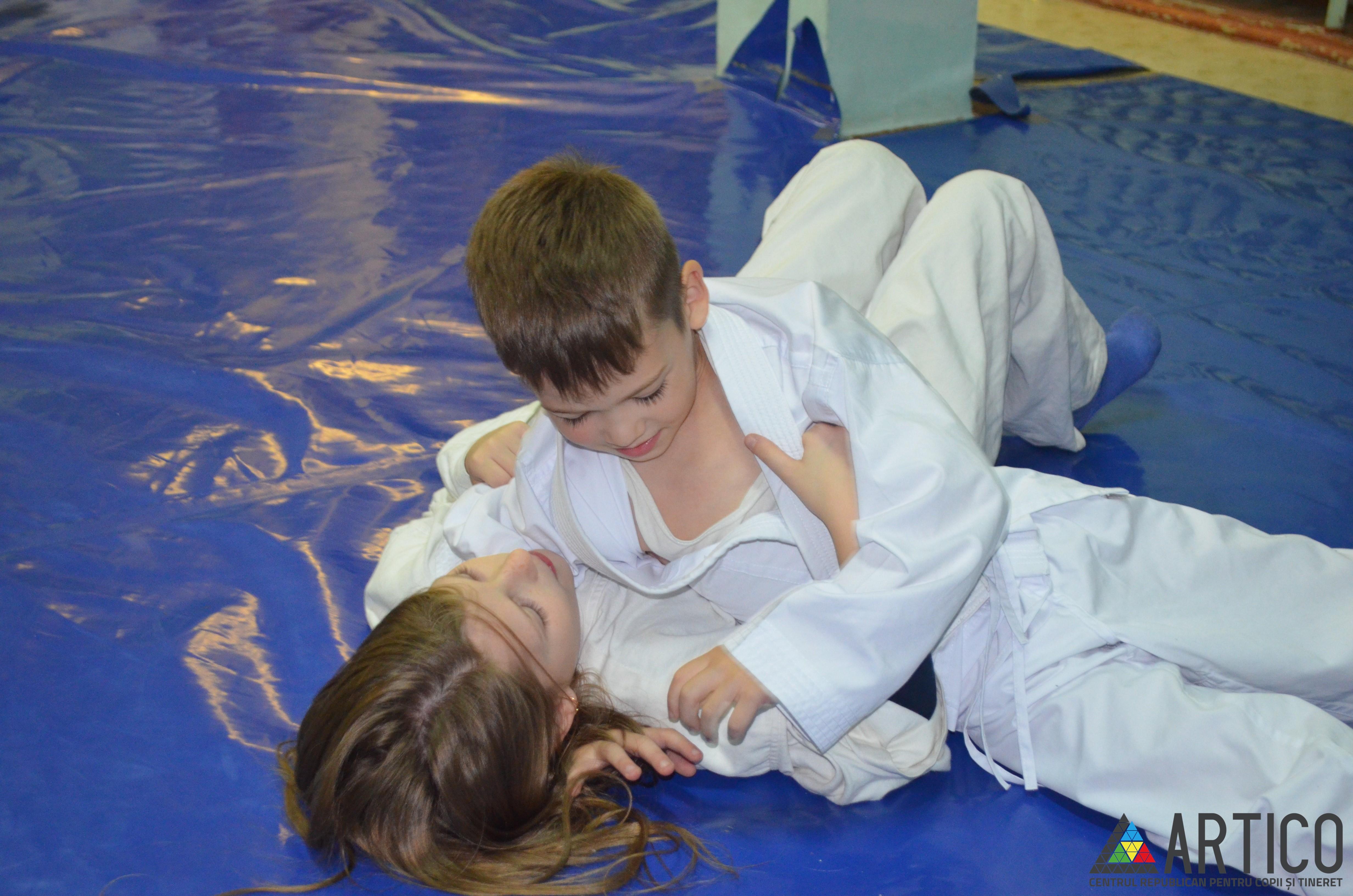 """Judo """"Iscusinţă"""""""