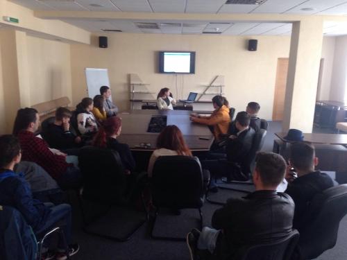 Informarea tinerilor despre Erasmus +