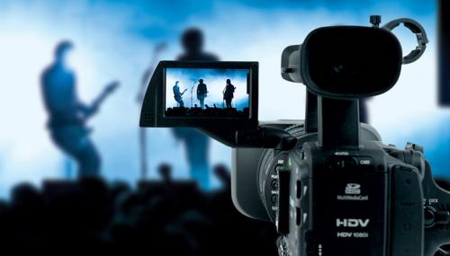 Ești pasionat de filmări? Atunci această oportunitate de voluntariat este pentru tine