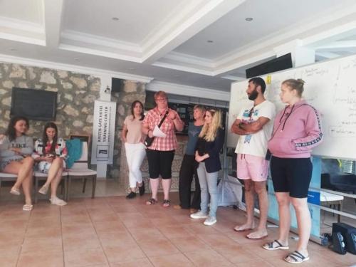 Tinerii provocați să fie mai buni în proiectele Erasmus+