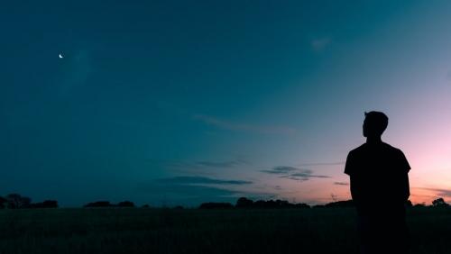 Cum prietenesc cu singurătatea – 20 de activități la îndemâna oricui